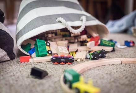 kids toy train track