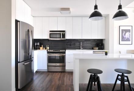White Kitchen stainless steel